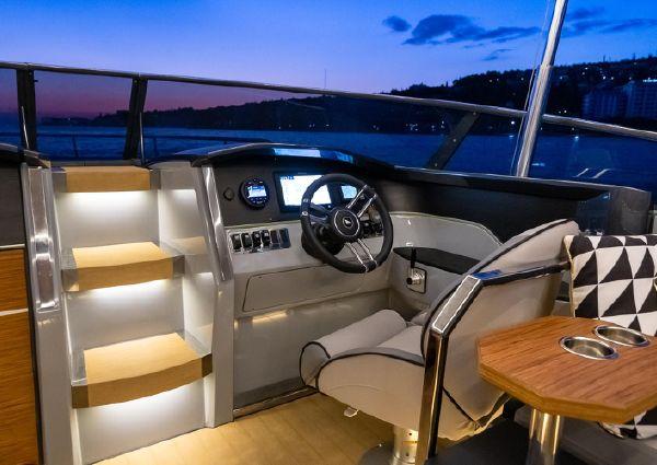 Alfastreet Marine 28 Cabin Motor image
