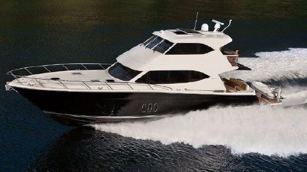 Maritimo Yachts M62 Starboard Side