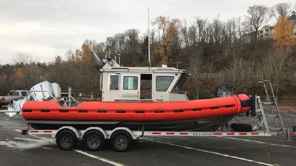 SAFE Boats 25' Defender