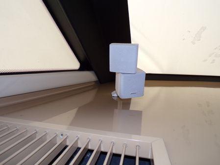 Carver 460 Voyager image