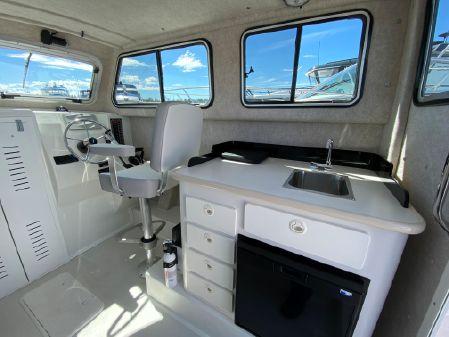 Parker 2530 Extended Cabin image