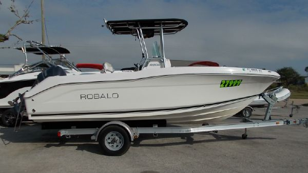 Robalo R 200
