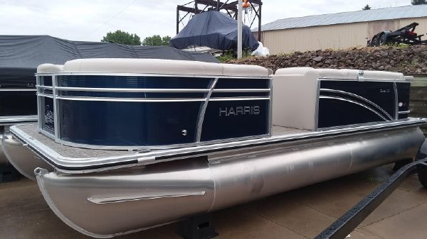 Harris Cruiser 210