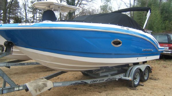Chaparral 230 Suncoast Outboard