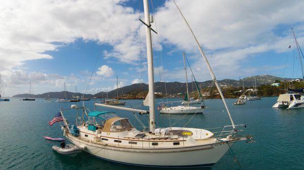 Pearson 422 Lailia at anchor