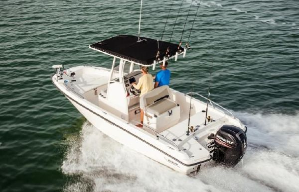 2020 Boston Whaler 210 Dauntless