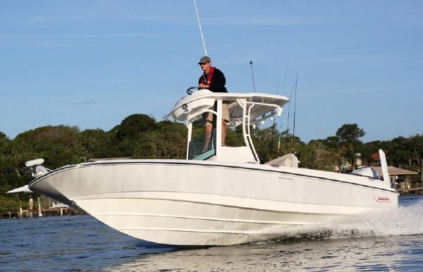 2021 Boston Whaler 240 Dauntless Pro