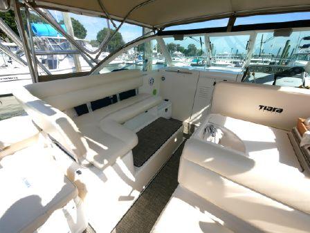 Tiara Yachts Coronet image