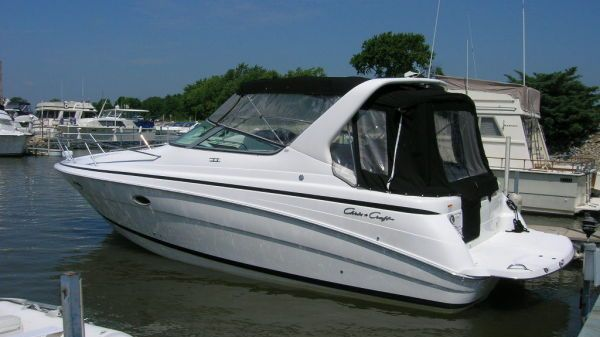 Chris Craft/Compare to Sea Ray 328 Express Cruiser
