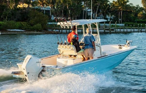 2020 Boston Whaler 210 Montauk