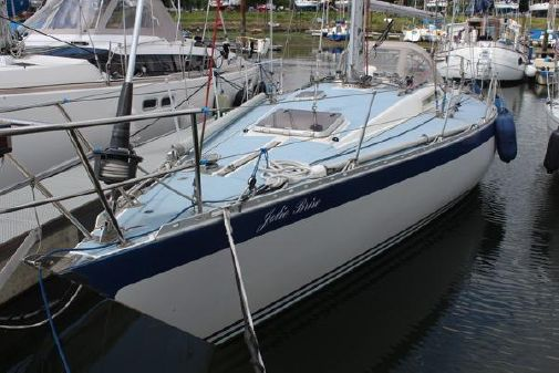 Oyster 37 image