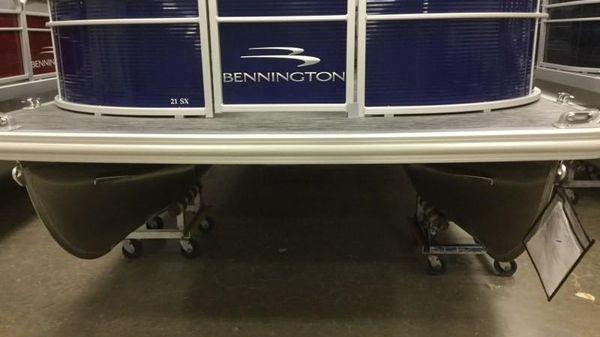 Bennington 21SSX