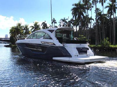 2020 Cruisers Yachts<span>50 Cantius</span>