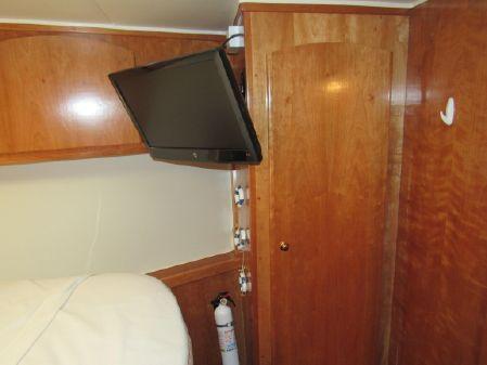 Navigator 6100 Pilothouse image