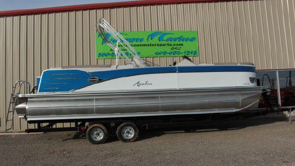 Avalon Catalina 2585 Quad Lounge