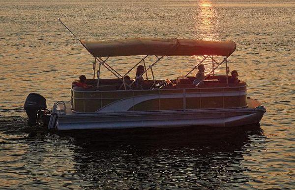 2021 Bennington S 25 Fishing