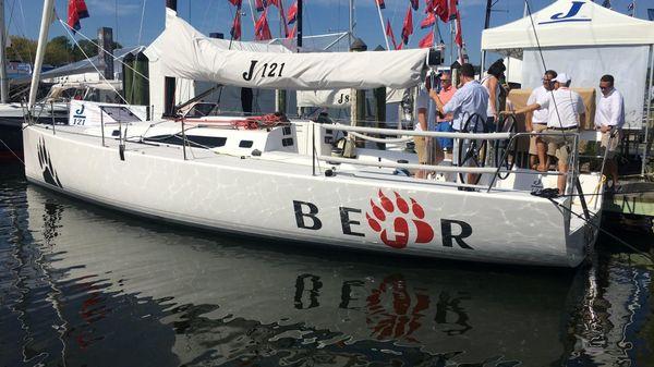 J Boats 121