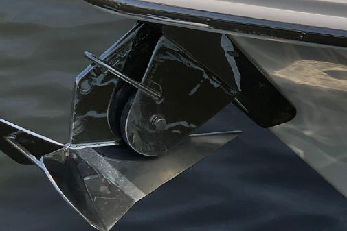 Boston Whaler OUTRAGE 330 image