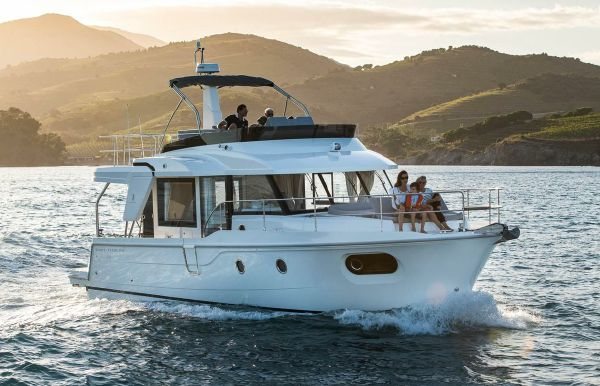 2021 Beneteau Swift Trawler 41 Fly