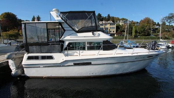 Sea Ray 360 Aft Cabin