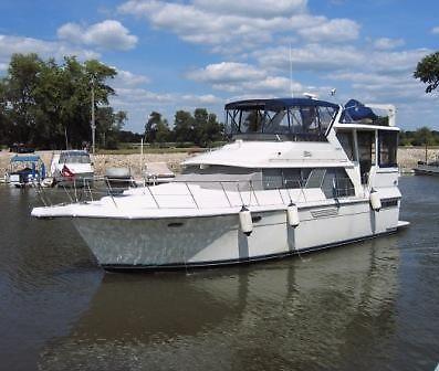 Carver 440 Aft Cabin Motor Yacht