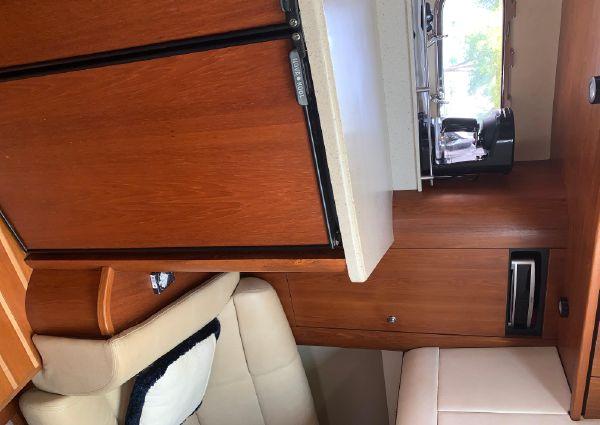 Tiara Yachts 39' Sovran image