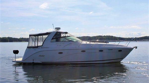 Rinker 410 Express Cruiser