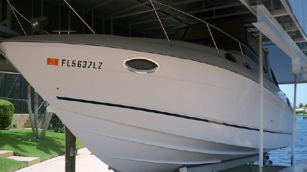 Regal 3060 Express Cruiser