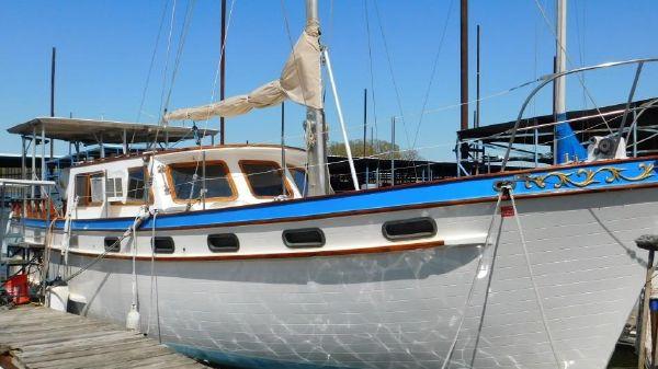 Marine Trader Islander Trader