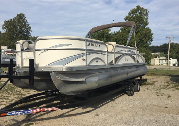 Hampton 2485 RL with trailer image