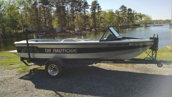 Correct Craft Ski Nautique