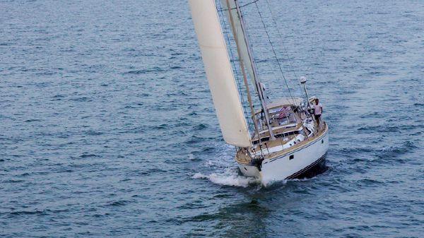 Hylas Yachts 70