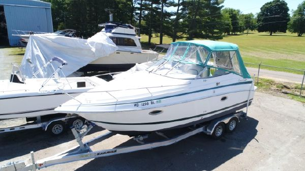 Chris-Craft 268 Express Cruiser