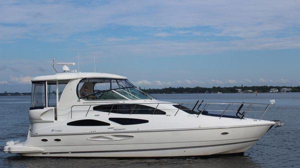 Cruisers 455 Aft Cabin Motor Yacht