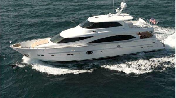 Horizon E88 SKYLOUNGE 88' Horizon E88 Skylounge Motor Yacht LUCKY DOG