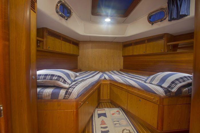2012 Passport Vista 585 Twin Cockpit Broker BoatsalesListing