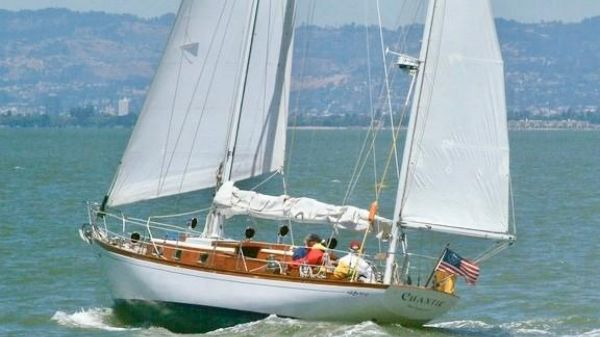 Cheoy Lee Offshore 40