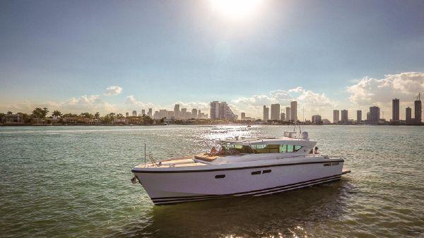 Delta Powerboats 54 Carbon
