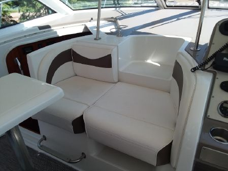 Cruisers Yachts 390 Sports Coupe image