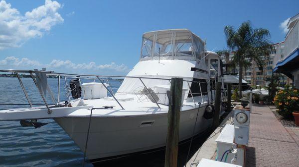 Hatteras 40 Motor Yacht