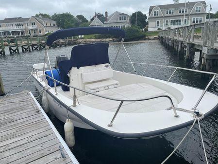 Boston Whaler Montauk 210 image