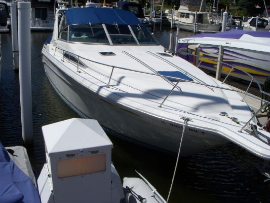 Sea Ray 330 Express Cruiser - main image