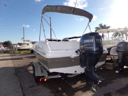 Hurricane SunDeck Sport 188 OB image