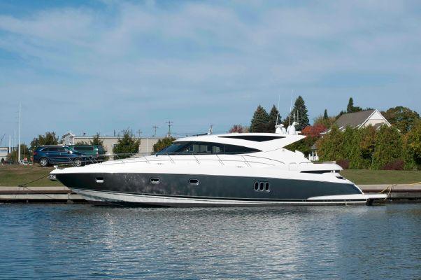 Riviera 5800 Sport Yacht - main image