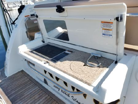 Sea Ray 400 Fly image