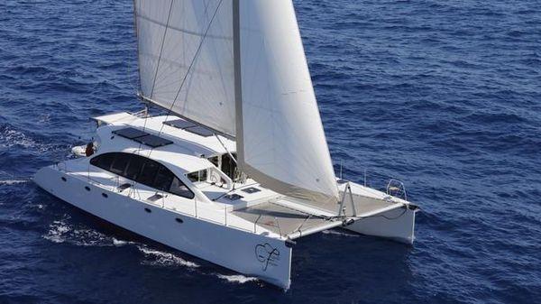 Custom DH 550 Catamaran