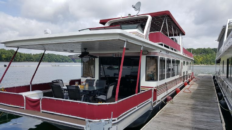 1998 Stardust Cruisers 16 X 77 Houseboat