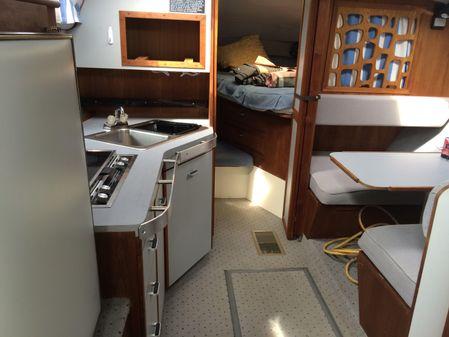 Cruisers Yachts 3170 Esprit image