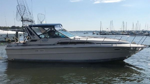 Sea Ray 340 Express Cruiser Exterior 1