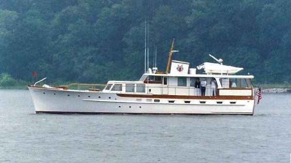 Trumpy Cruiser Liberty in the Severn River